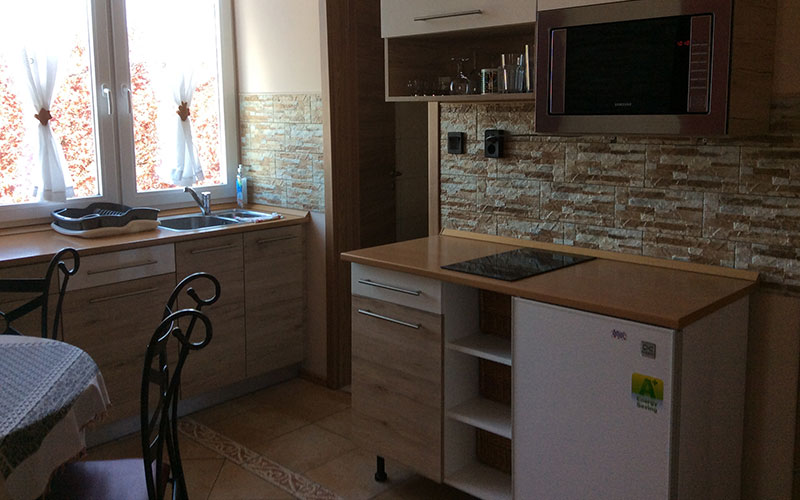 Panorámás 2 hálós apartman konyha