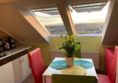 Standard tetőtéri apartman, konyha
